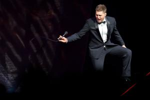 Michael Buble brings the heat at debut of 'amazing' Pinnacle Bank Arena