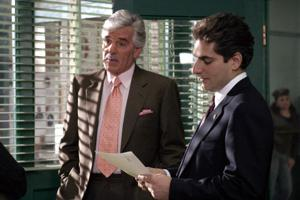 Late Dennis Farina's guest shot to air in new 'Family Guy' season