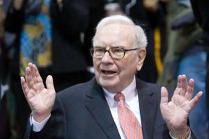 Warren Buffett's newspaper group buys North Carolina paper