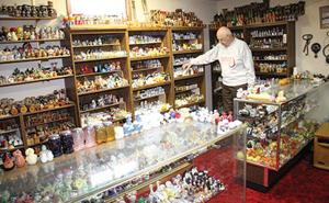 This York man has nearly 5,998 more salt and pepper shakers than you do