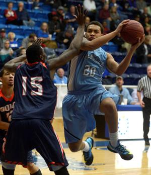 Central grad Scott growing up on, off court as juco freshman