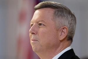 Could legislative bill block Gov. Heineman from NU presidency?