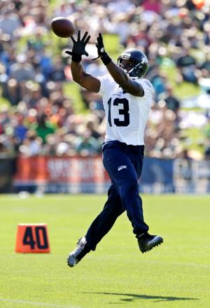 Now at fullback, Bates may catch on in Seattle