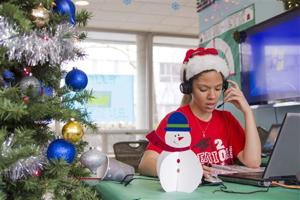 Dial-a-Carol a holiday tradition at U of Illinois