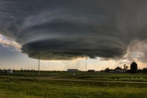 Stolen photo of a monster storm cloud is cool – but it wasn't taken in Omaha