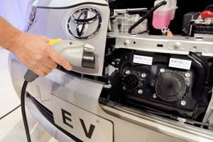 Sales of hybrid vehicles speed up