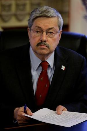 Terry Branstad holds firm on plan to overhaul IowaCare