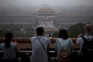 'Beautiful China' tourism pitch misfires amid smog