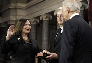 Deb Fischer downplays gender even as she makes Senate history