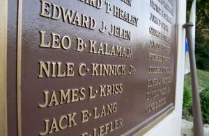 World War II memorial rededication honors veterans