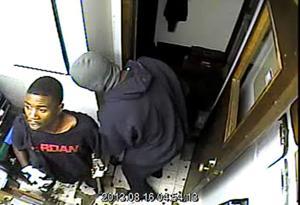 Omaha police hunt for prolific burglars