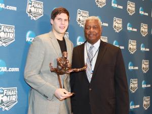 Doug McDermott wins Wooden Award, Oscar Robertson Trophy, Lute Olson Award