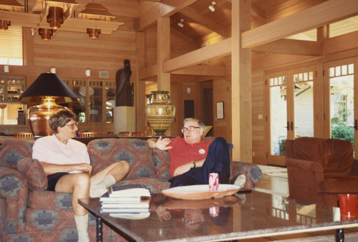 during 25 years of friendship buffett bill gates says he s bill gates and warren buffett