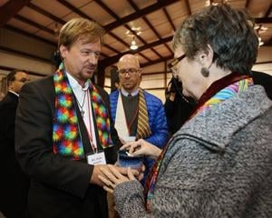 Pa. pastor expects to be defrocked for gay wedding