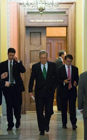 Senate votes, passes bill to avert fiscal cliff