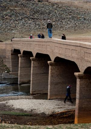 Risks grow with California drought; higher food prices, more wildfires likely