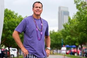 Hansen: For tailgater who's attended every year since '78, CWS is all about the connecting