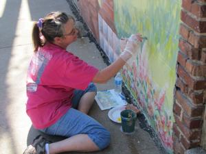 Le Mars, Iowa, project adds splash of color to alleys
