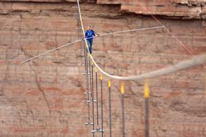 Nik Wallenda's 'Skywire' a ratings hit for Discovery