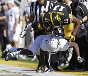 Hawkeyes continue winning ways against Western Michigan