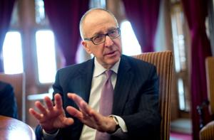 Smithsonian taps former U of I President David Skorton as its new leader