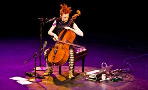 Cellist Zoe Keating pulls emotions as she draws her bow