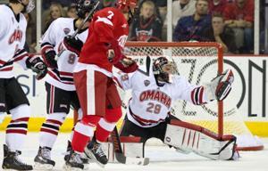 Cornell's third-period scoring flurry sinks UNO
