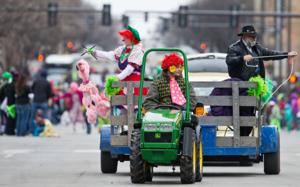 Chilly crowd cheers St. Patrick's Day Parade