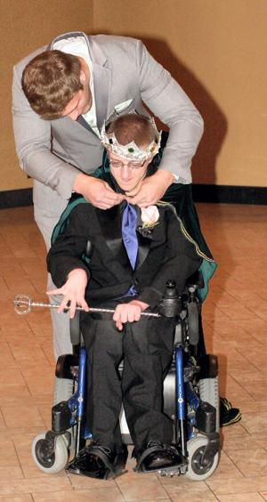 Lynch crowned GHS prom king