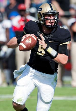 Notes: Etling may start at QB for Boilermakers