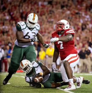 Husker defensive tackles Maliek Collins, Vincent Valentine form friendship, wreak havoc