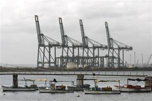 Cuban leaders eye new port as economic lifeline