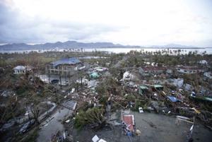 Red Cross fears 1,200 deaths in Philippine typhoon