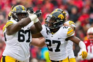 Shatel: Dared by Iowa, Huskers revert back to form