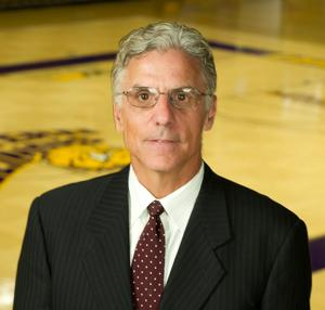 Jim Molinari leaves 'great security' of Western Illinois because of Miles' vision