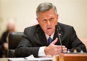 Nebraska Legislature's probe blames leadership vacuum, Gov. Heineman in prison mess