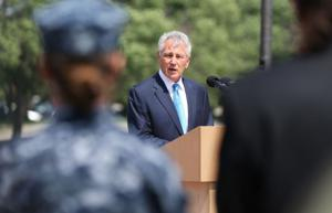 Chuck Hagel lauds the troops in Offutt speech