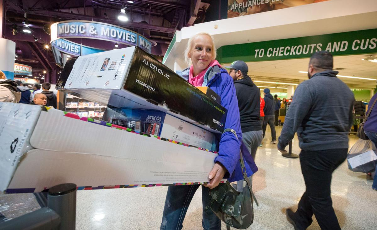 More People Shopped Over Thanksgiving Weekend Than Last