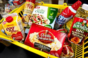 ConAgra enlists ex-rival in hunger fight