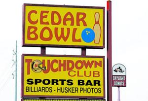 59-year-old Husker bar, bowling alley to close