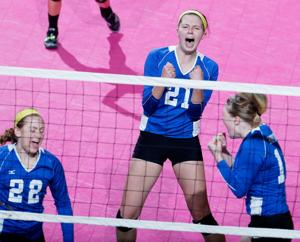 Husker volleyball newcomers include Iowa prep standout Foecke, Gothenburg's Reeves