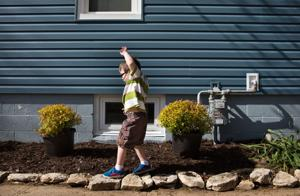 Omaha company gives young cancer patient's house a makeover