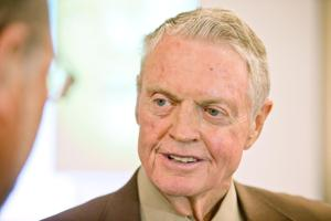 Tom Osborne endorses Mike Foley for governor