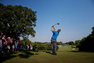 Allen shatters course and Open records to take lead
