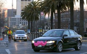 Lyft launches in Omaha; police won't ticket drivers while service is free