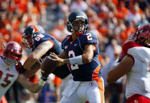 Illinois' Scheelhaase thriving after embracing offensive overhaul