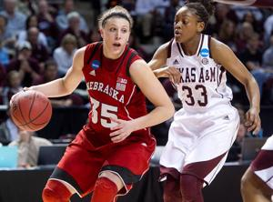 McKewon: In senior season, Hooper learning how to take charge in her own way
