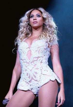 617,000 albums in 3 days for Beyonce