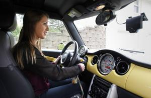 Monitors for teen drivers slow to catch on