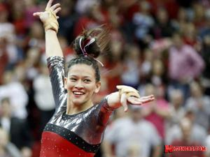 Wong, Huskers set sights on super six